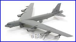 Herpa 557351 USAF Boeing B-52H Memphis Belle 4 60-0001 Diecast 1/200 Jet Model