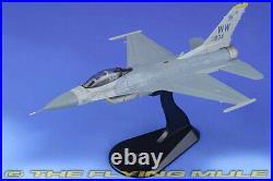 Hobby Master 172 F-16C Fighting Falcon USAF PACAF Viper Demo Team #92-3894