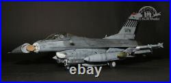 (Pre-Order) USAF F-16CG Block 40 Fighting Falcon /w pilot 132 Pro Built Model