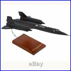 USAF Lockheed SR-71A Blackbird Desk Display Model 1/72 Jet Aircraft ES Airplane