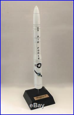 USAF SAC Boeing LGM-30 Minuteman III ICBM Missile Desk Top Display 1/44 MC Model