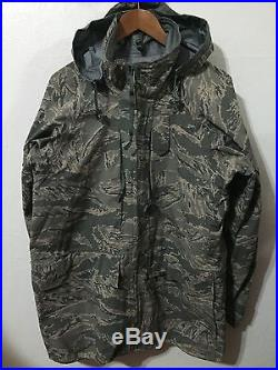 Us Air Force All Purpose Environmental Digital Camo Gore Tex Parka Jacket Sz M R